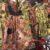Douala le jeudi 4 mars 2021. Une vendeuse de robes de la Journée internationale de la femme au marché des Femmes présente un modèle. Photo: Moustapha Oumarou