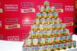 Des boites de Bonnet Rouge Gold. Photo Mathias Mouendé Ngamo